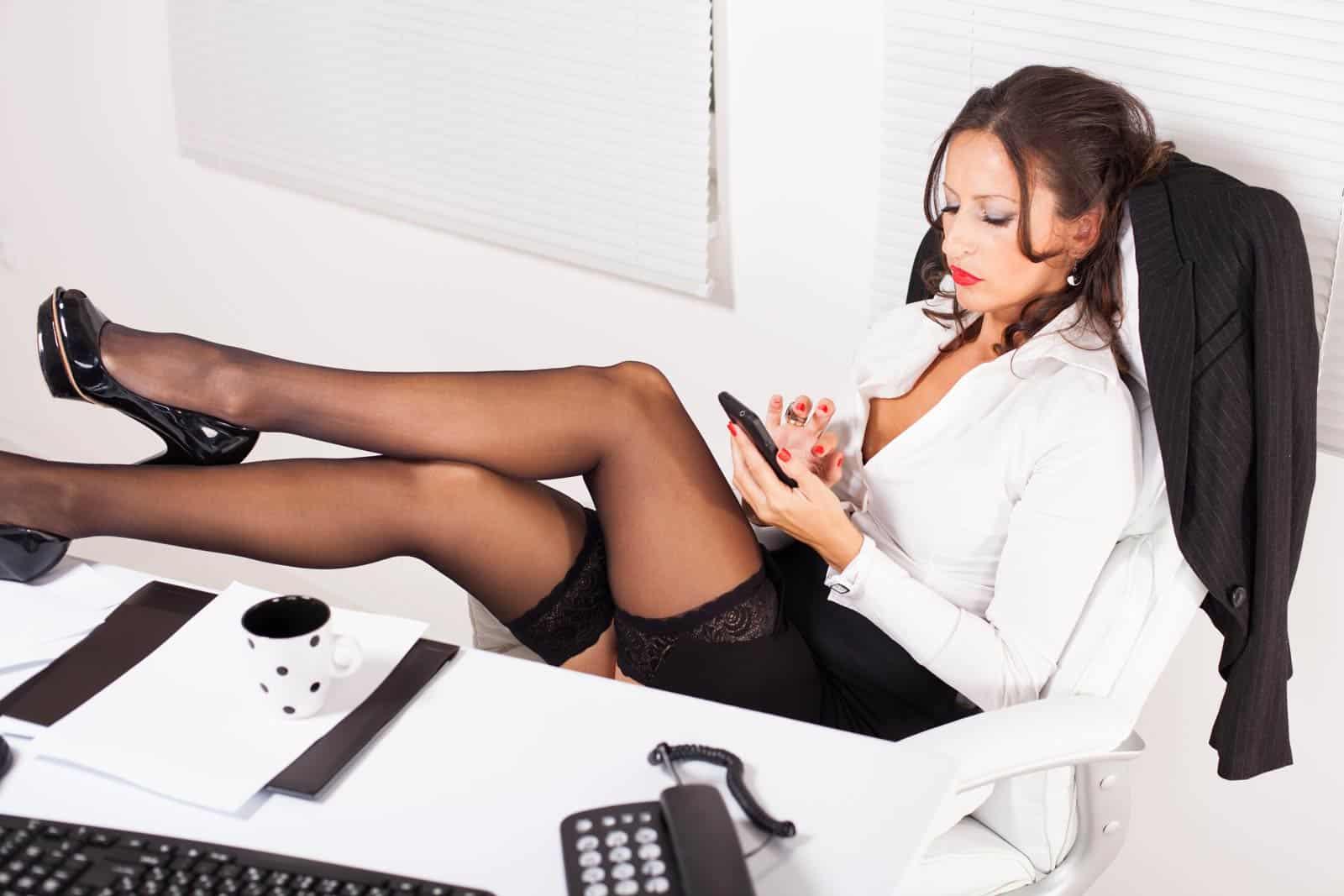 064 hotline